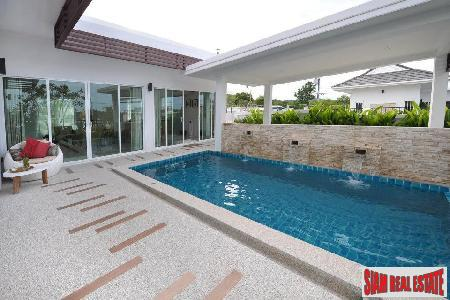 Contemporary Pool Villas Close to the Beach and Golf Courses in South Hua Hin