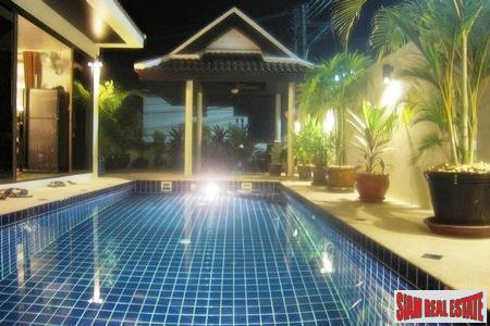 Balinese Style Three Bedroom Pool Villa near Loch Palm Golf Course in Kathu