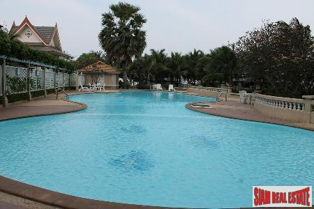 Beachfront 2 bedrooms  condominium 11