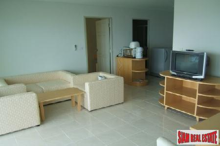 Beachfront 2 bedrooms  condominium 4