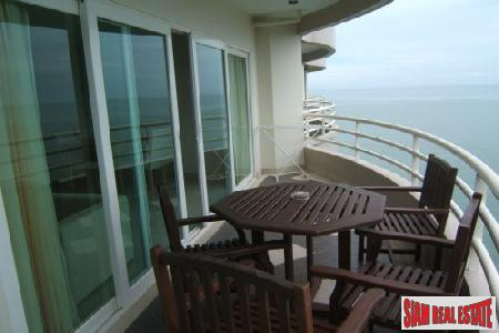 Beachfront 2 bedrooms  condominium 5