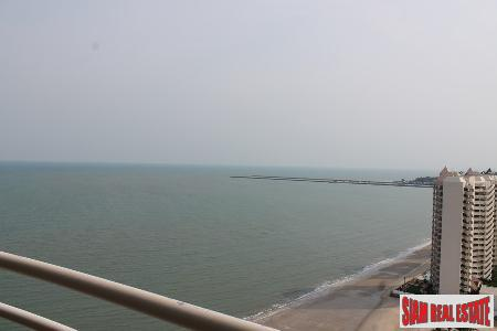 Beachfront 2 bedrooms  condominium 8