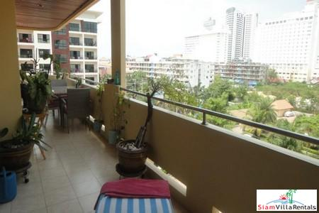 Modern, Furnished Two Bedroom Condo near Jomtien Beach