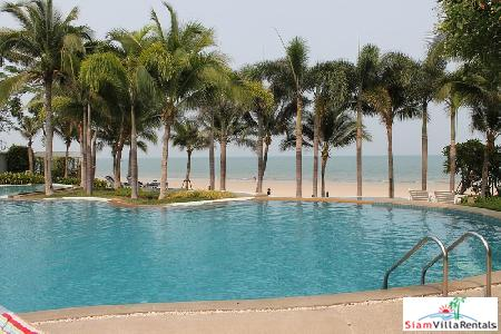 2 Bedrooms condominium on the beach for rent
