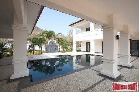 Luxurious Villas with 5 Star 8