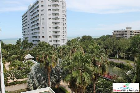 2 bedrooms condominium only few step from the beach for rent