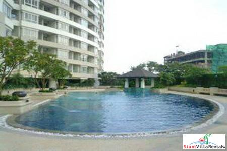 River Heaven Charoen Krung |  Luxurious Three Bedroom Condo for Rent in Sathorn