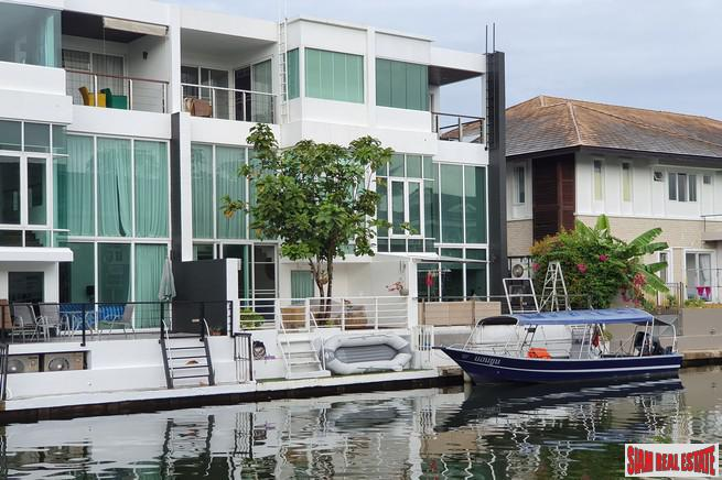 Boat Lagoon | Modern Three Bedroom Townhouse with Canal View for Rent