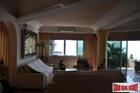 Fully Furnished One Bedroom Apartment 5