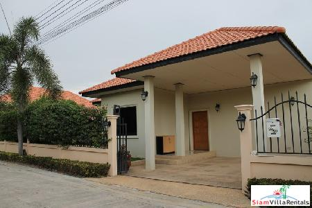 3 bedrooms villa with private swimming pool for rent only few minutes to Hua Hin town.