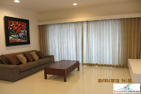 For Sale Great DEAL Fully Furnished Luxury Condominium in Chidlom.