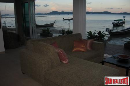 Luxury 2 Bed Absolute Beach 8