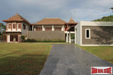Brand new luxury 3 bedrooms house with private swimming pool for sale.