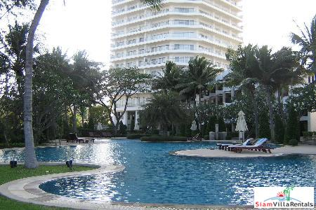 2 bedrooms condominium located on the 20th floor of the building for rent.