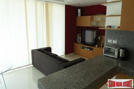 Modern One Bedroom Apartment in 3