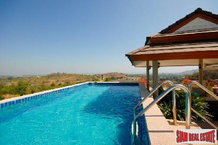 Luxurious penthouse with private swimmimg pool for sale.
