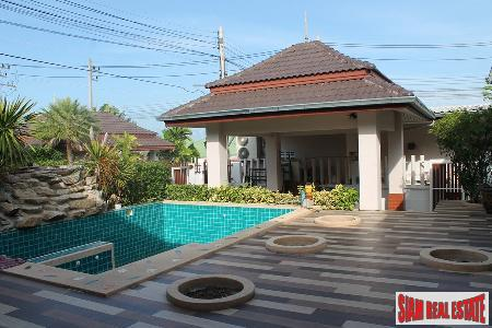 4 bedrooms villa with private swimming pool for sale only few minutes to Hua Hin town.