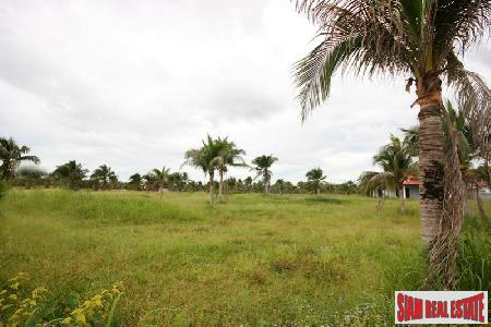 Land with mountain view for sale close to Hua Hin Town Center.