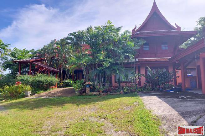 Three-Bedroom Thai-Style House in Ao Makham