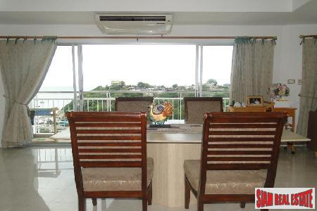 3 bedrooms condominium only few 3