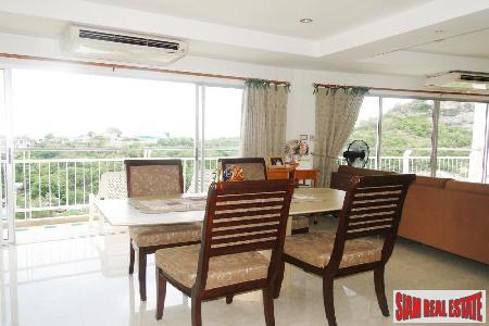 3 bedrooms condominium only few 4