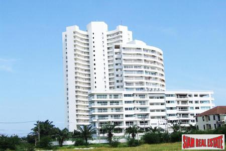 3 bedrooms condominium only few 6