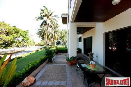 2 Bedrooms condominium on the Golf Course for Sale