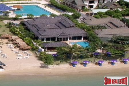 Beachfront Four Bedroom Pool Villa in Chalong/Rawai Resort