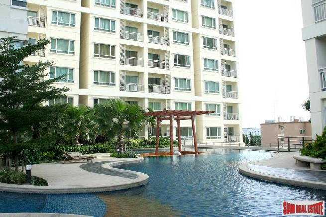 Sukhumvit Plus |One Bed Condo for Sale Near BTS Phra Khanong