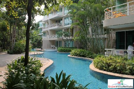 2 Bedrooms condominium for rent located only a few mins walk the Hua Hin Night Market