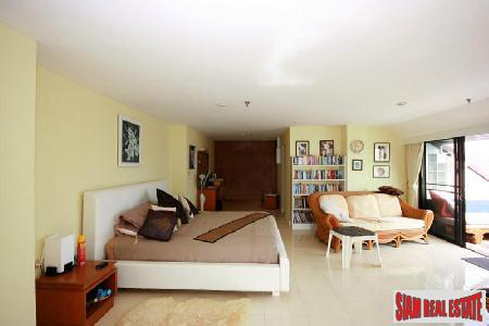 2 bedrooms condominium located on 4