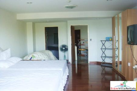 2 bedrooms condominium only few 5