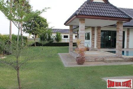 3 bedrooms villa with private 10