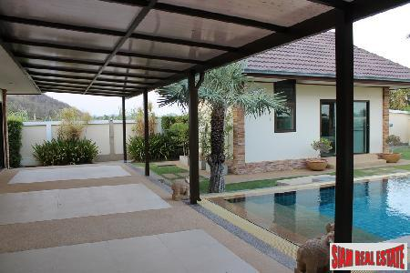 3 bedrooms villa with private 13