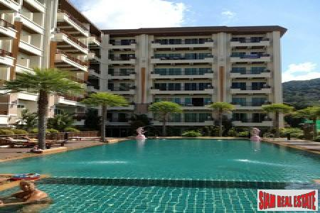 Phuket Villa Patong Condo | Bright & Airy One Bedroom Condo in Central Patong with Communal Pool