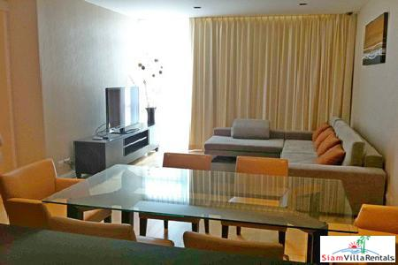 Very Large Luxury 2 bedroom at Rajdamri BTS. Athenee Residence.