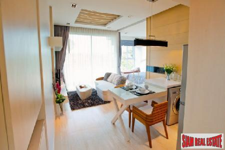 39 Sqm Corner Studio Condominium Facing Pattaya Bay -