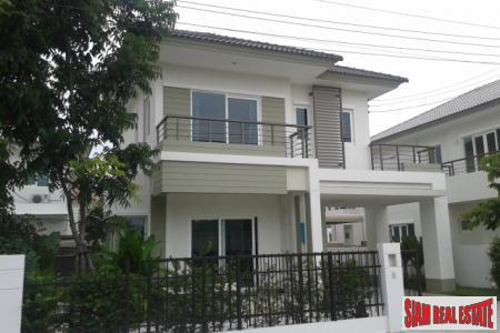 New, Detached, Three Bedroom House in Suksasawat/Tongku