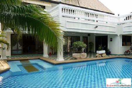 3 Bedroom 3 Bathroom Villa With All The Amenities You Need - East Pattaya
