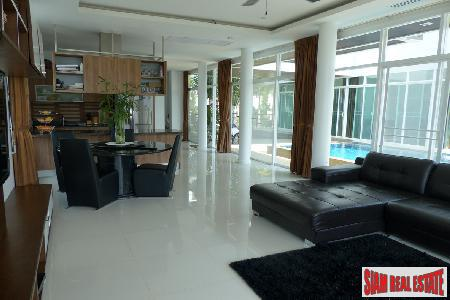Luxury 1 Bedroom Condo with Sea Views - Priced to Sell