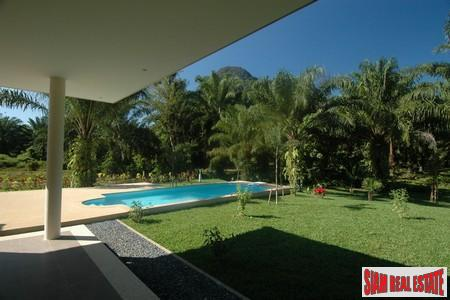 4 Bed Luxury Pool Villa 9