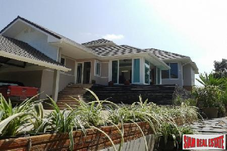 Superb Property With 5 Bedrooms & 7 Bathrooms - Bang Saray